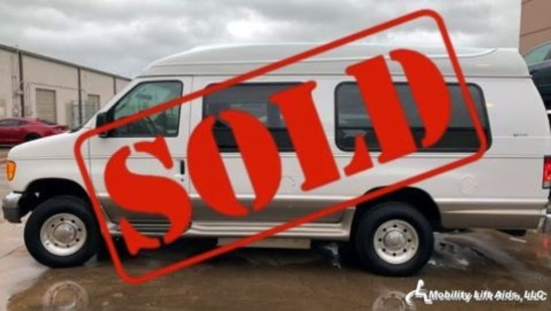 2006 Ford Econoline Wagon  Wheelchair Van For Sale