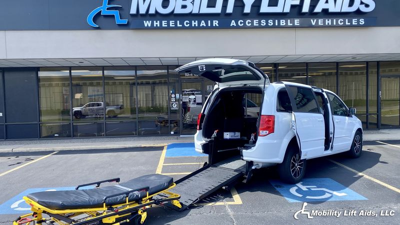 2017 Dodge Grand Caravan undefined Wheelchair Van For Sale