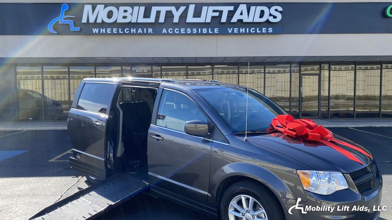 2019 Dodge Grand Caravan undefined Wheelchair Van For Sale